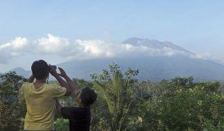 Der Vulkan Mount Agung auf Bali droht auszubrechen - Tausende Menschen sind auf der Flucht. (Foto)