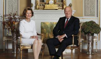 König Harald von Norwegen erfreut sich entgegen einer Nachrichtenmeldung bester Gesundheit. (Foto)
