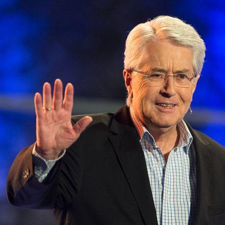 Seine Hände zittern! Hat die TV-Legende Parkinson? (Foto)