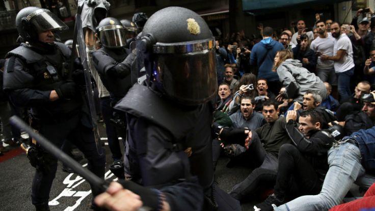 Polizeigewalt beim Referendum in Katalonien.