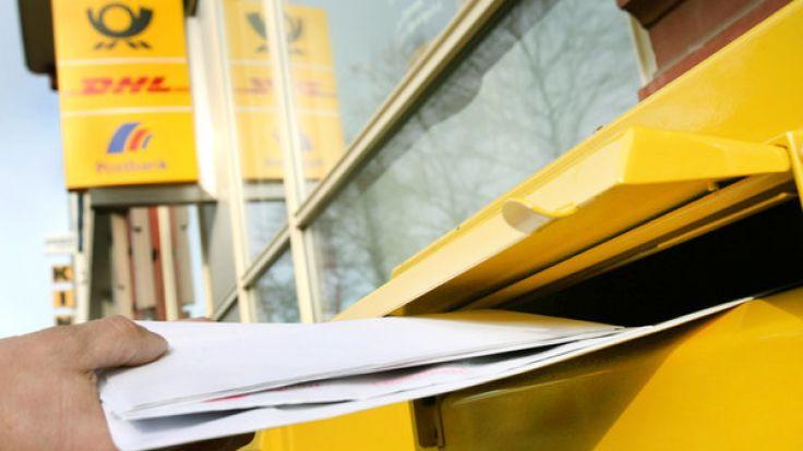 Die Post will die Portokosten für Geschäftskunden um fünf Prozent anheben. (Foto)
