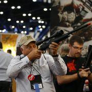 Trump lenkt ein! Folgt endlich eine Beschränkung der Waffengesetze? (Foto)