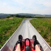 Horror-Unfall auf Sommerrodelbahn! Junge verliert Bein (Foto)