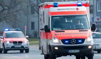 In Hamburg wurde ein Fußgänger von einem Rettungsfahrzeug erfasst und getötet (Symbolbild). (Foto)