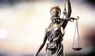 Ein Gericht sprach einem Vergewaltiger das Sorgerecht für sein Kind zu. (Foto)