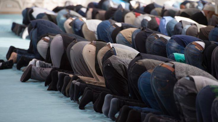 Wird es in Deutschland bald gesetzliche muslimische Feiertage geben?