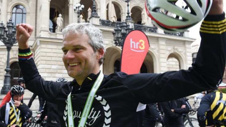 Thorsten Schröder ist bekannt als Nachrichtensprecher im Fernsehen.