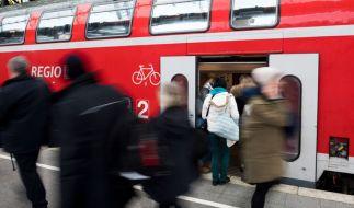 Bus- und Bahnfahren wird in Deutschland schon wieder teurer. (Foto)