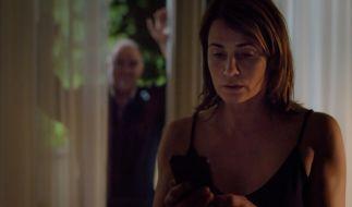 Rebeccas (Anja Kling, r.) hat Angst vor Tiberius (Udo Samel, l.). (Foto)