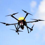 In 450 Metern Höhe! Drohne knallt auf Passagierflugzeug (Foto)