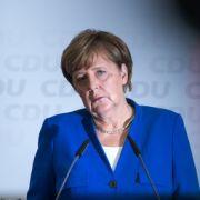 Rücktritt gefordert! Steht die Kanzlerin Merkel vor dem politischen Aus? (Foto)