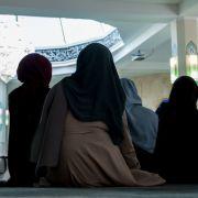 De Maizière macht Rückzug beiIslam-Feiertag (Foto)
