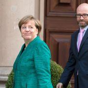 In schickem Grün nimmt Merkel Kurs auf Jamaika (Foto)