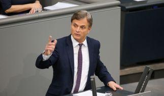 Der AfD-Politiker Bernd Baumann startete seine Bundestagskarriere mit einem Nazi-Vergleich. (Foto)