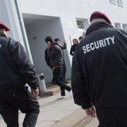 Security soll Flüchtlinge auf den Strich geschickt haben (Foto)