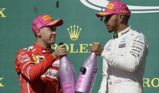 Sebastian Vettel (li.) kann Lewis Hamilton im WM-Kampf wohl kaum mehr gefährlich werden. (Foto)