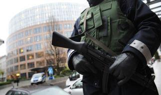 Am frühen Dienstagmorgen haben Spezialkräfte der Bundespolizei einen Syrer wegen des Verdachts der Vorbereitung einer schweren staatsgefährdenden Gewalttat festgenommen. (Foto)