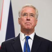 Sexuelle Belästigung? Verteidigungsminister tritt zurück (Foto)