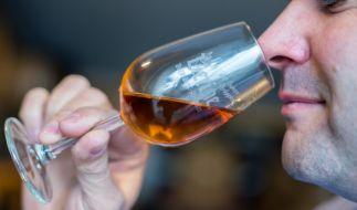 Der wohl teuerste Whisky der Welt soll eine Fälschung sein (Symbolbild). (Foto)