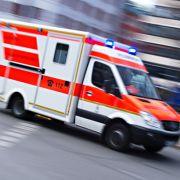 Sanitäter während der Wiederbelebung eines Jungen (1) attackiert (Foto)