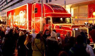 Die Coca-Cola-Weihnachtstrucks touren auch 2018 wieder durch Deutschland. (Foto)