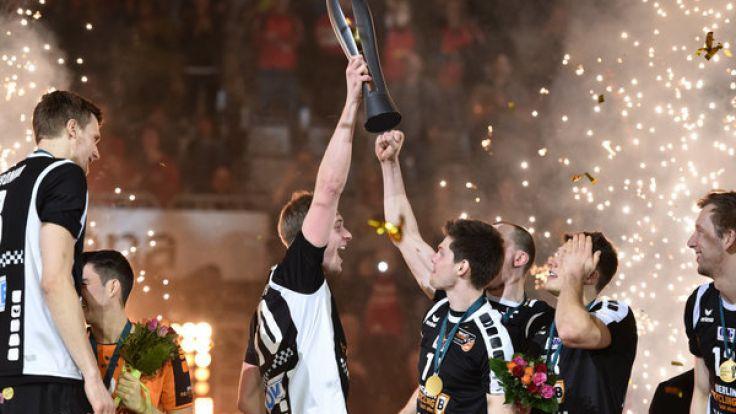 2016 feierte das Team der Berlin Recycling Volley den Sieg im DVV-Pokal gegen den TV Ingersoll Bühl