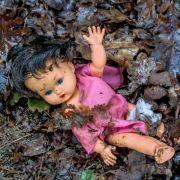 Schwer misshandelt! Schwuler Vater bringt Adoptivtochter (1) um (Foto)