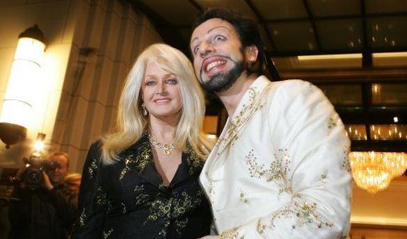 Zu viel Botox? 2006 schien Harald Glööckler, hier an der Seite von Sängerin Bonnie Tyler, nur zu bizarren Grimassen fähig.