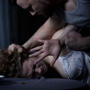 Frau 6 Jahre als Sex-Sklavin gehalten und 4 Mal geschwängert (Foto)