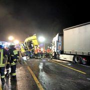 Gaffer filmten Horror-Crash mit 3 Toten! SO reagierte die Feuerwehr (Foto)