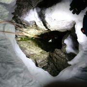 Handy rettete sein Leben! Bergsteiger 5 Tage im Eis gefangen (Foto)