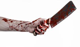 Ein bestialischer Mord an einer 45-Jährigen beschäftigt die Polizei in Russland. Ihr 21-jähriger Liebhaber tötete die Frau, verspeiste ihr Hirn und trank ihr Blut (Symbolfoto). (Foto)