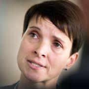 """Petry und AfD streiten um Marke """"Blaue Partei"""" (Foto)"""