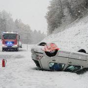 Zahlreiche Verletzte! Wetterchaos sorgt für Unfälle am Wochenende (Foto)