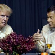Philippinen-Präsident Duterte singt Liebes-Schnulze für Trump (Foto)