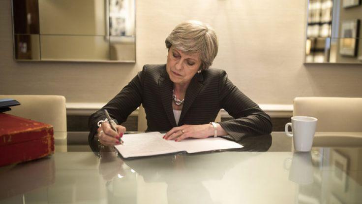 Nachdem die Brexit-Verhandlungen ins Stocken geraten sind, wächst der Druck auf Theresa May.