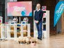 """Marcus König aus Graz präsentiert mit dem """"Yummynator"""" einen rutschfesten Hundenapf. Er erhofft sich ein Investment von 125.000 Euro für 10 Prozent seines Unternehmens. (Foto)"""