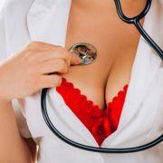 """Krankenschwestern zu """"Sex-Tanz"""" gezwungen (Foto)"""