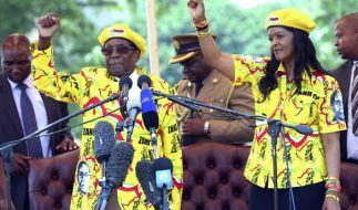 Simbabwes Staatsoberhaupt Robert Mugabe und seine Frau Grace. (Foto)