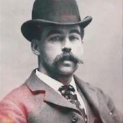 Henry Howard Holmes hieß eigentlich Herman Webster Mudgett und wurde am 7. Mai 1896 in Philadelphia hingerichtet.