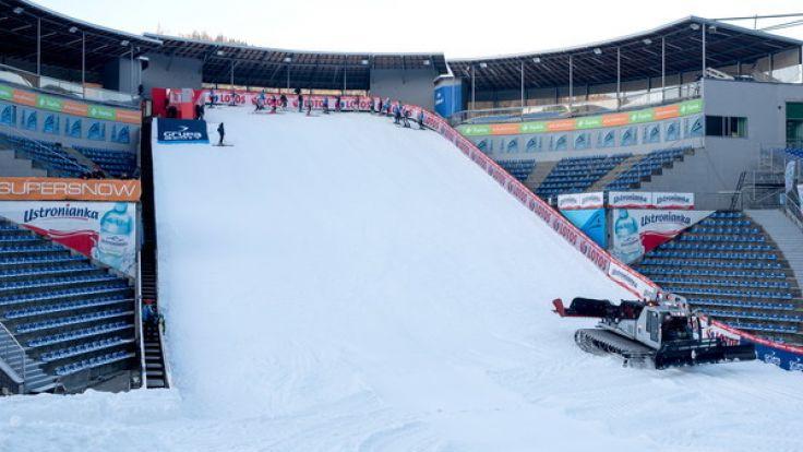 Die Vorbereitungen zur Skisprung-Saisoneröffnung im polnischen Wisla sind in vollem Gange.