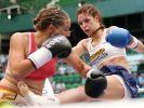 Kickboxerin Marie Lang (re.) tritt bei der WM 2017 gegen Jessica Gladstone aus Kanada an. (Foto)