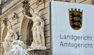 Am Landgericht Ulm wird der Fall eines Teenagers verhandelt, der mit 15 Jahren einen 64-Jährigen mit Messerstichen getötet haben soll. (Foto)