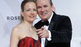 RTL-Morgen-Moderator Wolram Kons mit seiner Ehefrau Alexa Apermann. (Foto)