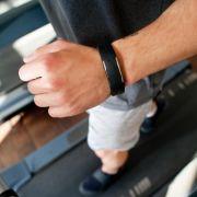 Fitnessarmbänder im Test! HIER schneiden Wearables richtig mies ab (Foto)