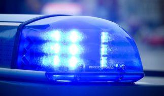 Die Staatsanwaltschaft Oldenburg ermittelt gegen Polizisten, die offenbar einen Mann ausgesetzt haben. Wenig später starb er. (Foto)