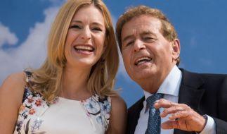 Stefanie Hertel mit ihrem Vater Eberhard Hertel. (Foto)