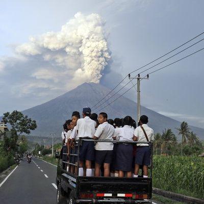 Vulkan-Ausbruch auf Bali: Flughafen nimmt Betrieb wieder auf (Foto)