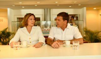 Beatrice (Heide Keller) hat eine Entscheidung getroffen. Wie wird Kapitän Burger (Sascha Hehn) reagieren? (Foto)