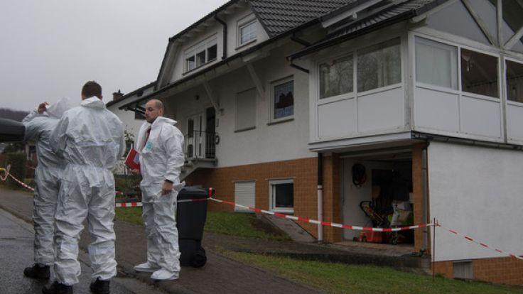 In Laubach-Gonterskirchen in der Nähe von Gießen wurde ein Paar in seinem Wohnhaus überfallen und zusammengeschlagen, bevor das Haus in Flammen aufging. Dabei kam ein 57-jähriger Mann ums Leben. (Foto)